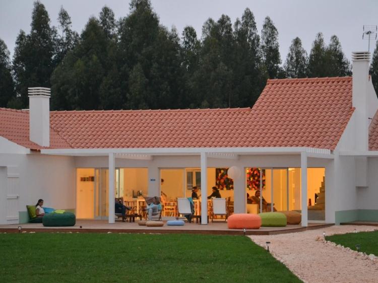 casas da lupa zambujeiro do Mar alentejo coast hotel b&b best charming hip trendy