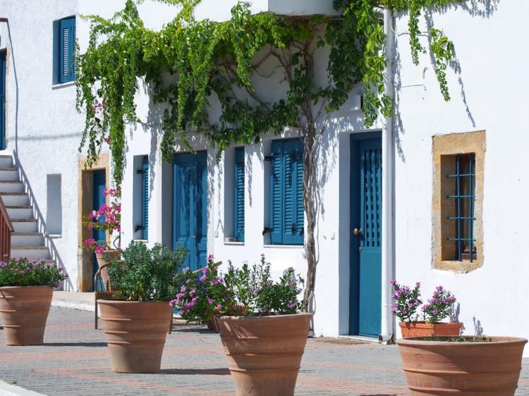 The White Houses Makrigialos Crete Sea Side Apartments