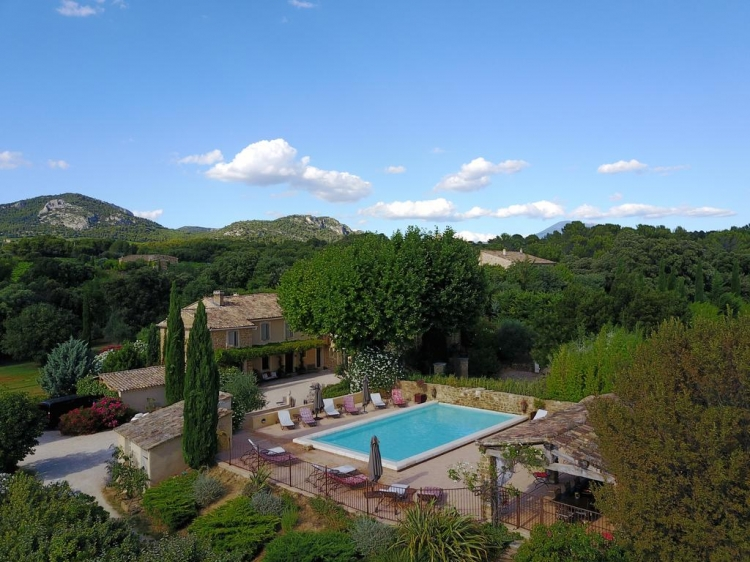 Le Clos Saint Saourde hotel Provence rhone best b&b swimning pool small